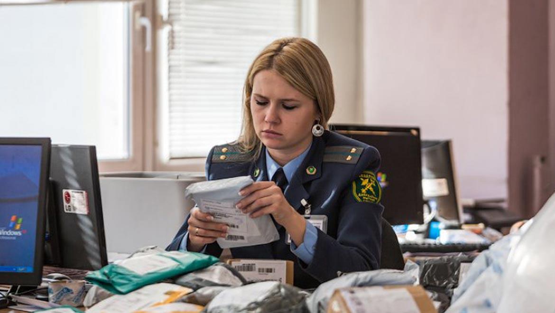 о порядке совершения таможенных операций, связанных с ввозом в Российскую Федерацию товаров в качестве проб и образцов для целей проведения исследований и испытаний продукции
